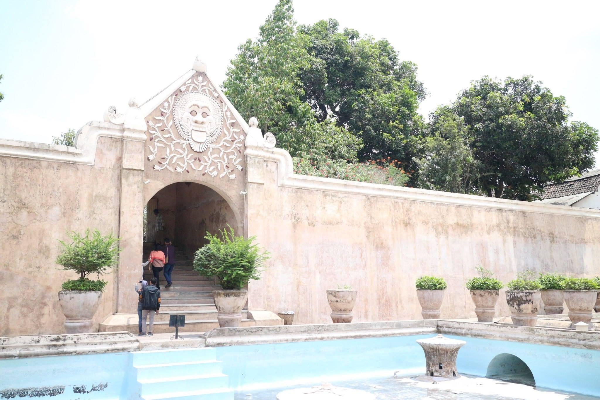 ジョグジャカルタ 2 : タマン・サリとプランバナン寺院
